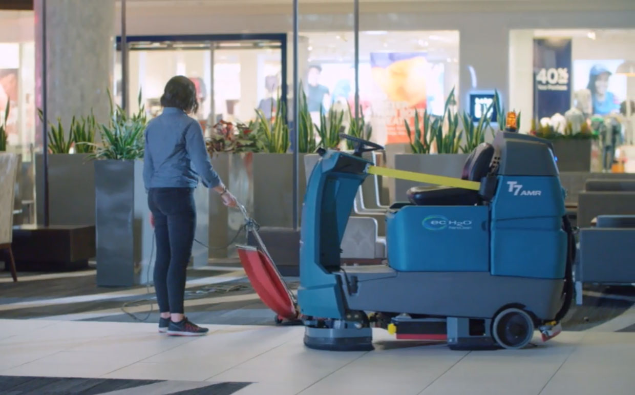 Autonomous Mobile Robots - Robotic Cleaning Equipment cleaning in retail facility