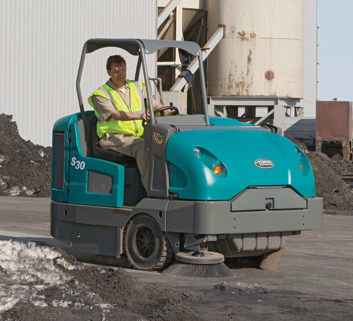 Choose the right sweeper brush for your application