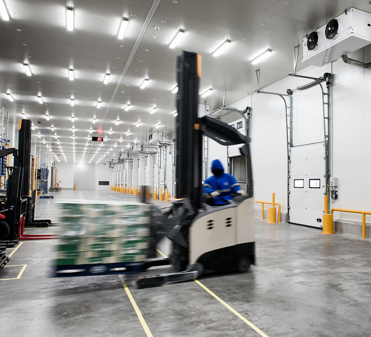 Tips for retaining distribution center employees