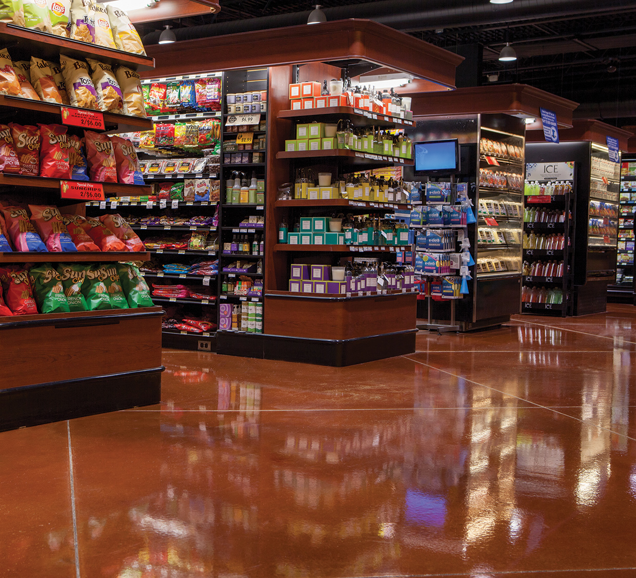 High-End Grocery Store End Cap - Polished Concrete Floor