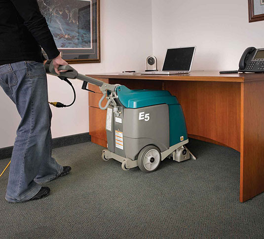 E5 Compact Low-Profile Carpet Extractor alt 10