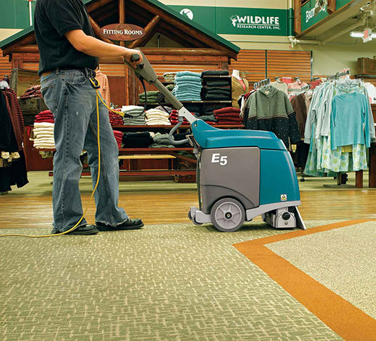 E5 Compact Low-Profile Carpet Extractor alt 12