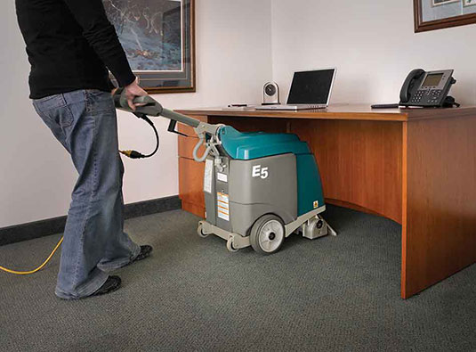 E5 Compact Low-Profile Carpet Extractor alt 2