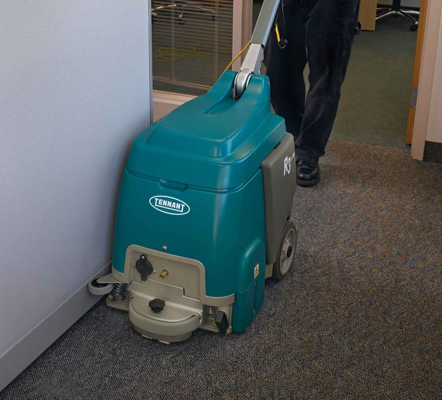 R3 Compact Carpet Extractor alt 7