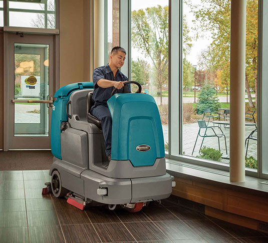T12 Compact Battery Ride-On Floor Scrubber alt 10