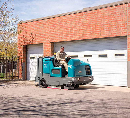 M30 Large Integrated Rider Sweeper-Scrubber alt 12