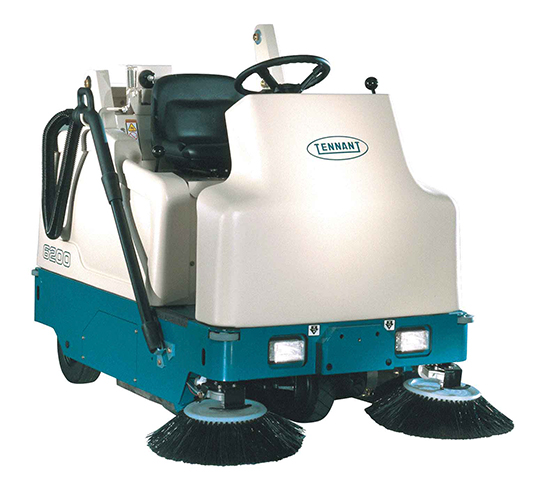 6200 Compact Ride-On Sweeper alt 1