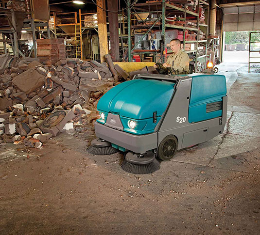S20 Compact Ride-On Sweeper alt 8