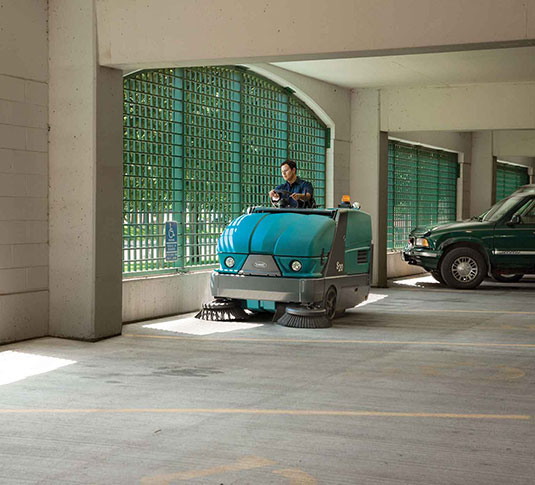 S20 Compact Ride-On Sweeper alt 9