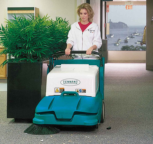 Tennant 3640 Mid-Size Walk-Behind Sweeper vac wand