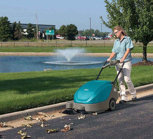 S5 Compact Battery-Powered Walk-Behind Sweeper alt 8